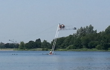 waterskibaanspringen.jpg