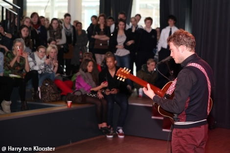 07-03-2012_tim_akkerman_theater_landstede01.jpg