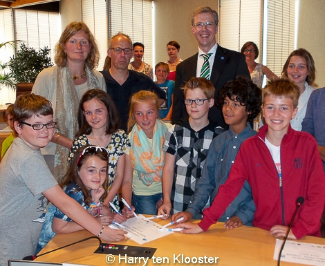21-05-2014_kinderplatform-raadzaal-flip_van_as_03.jpg