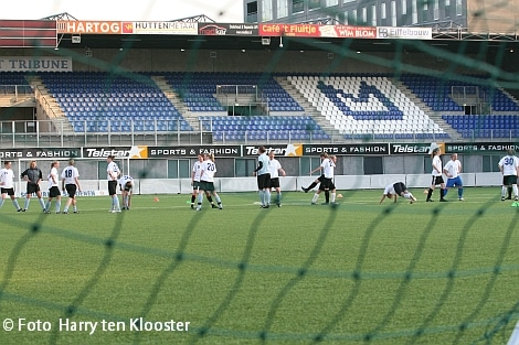 19-04-2010_training_damesvoetbal_2.jpg