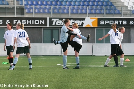 19-04-2010_training_damesvoetbal_3.jpg