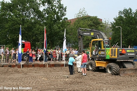 30-06-2010_start_bouw_ritmeestershof_1.jpg