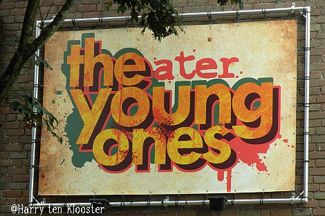 07-10-2010_the_young_ones_1.jpg